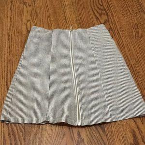 Brandy Melville mini skirt size small